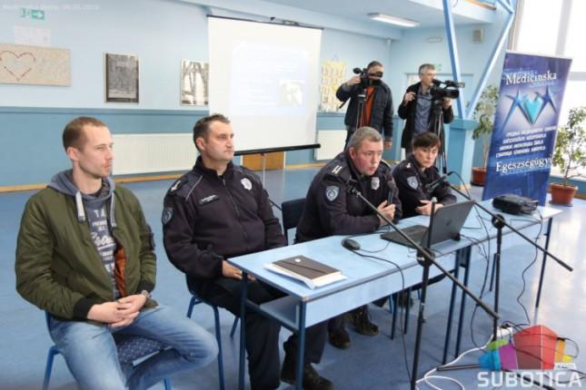 Policija održala predavanje maturantima