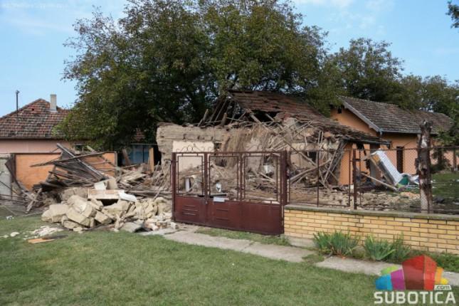 Eksplozija butan boce srušila kuću, jedan muškarac povređen
