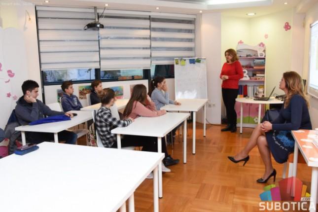 U toku upis na program brzog čitanja sa razumevanjem i tehnikama učenja