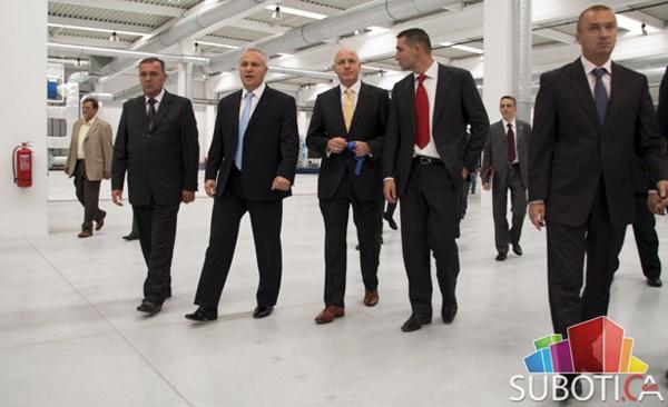 Slavko Parać, Mlađan Dinkić, Volfram Mas, Oliver Dulić, Bojan Pajtić - fotografije sa otvaranja fabrike Norma group Subotica